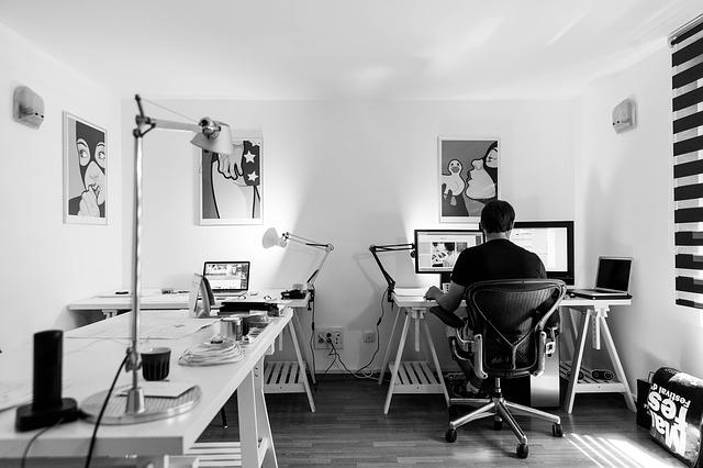obrazy v kanceláři